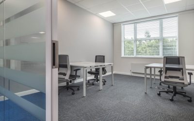 Tips to Maximise Desk Space at Work